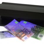 Migliori Rilevatori di Banconote False 2021 - Come Scegliere, Opinioni e Prezzi
